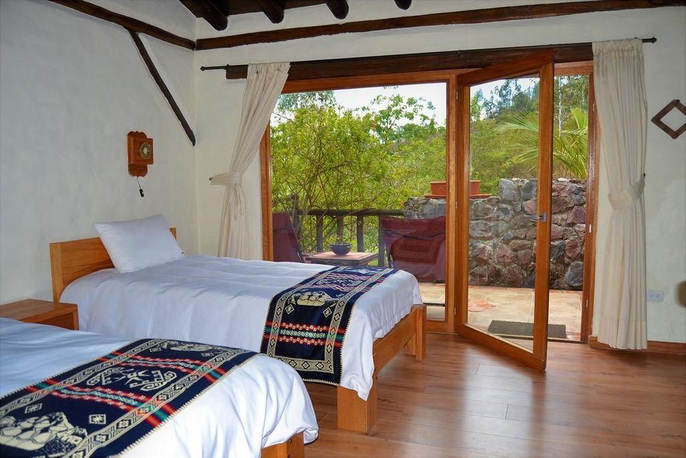 Ilatoa Lodge