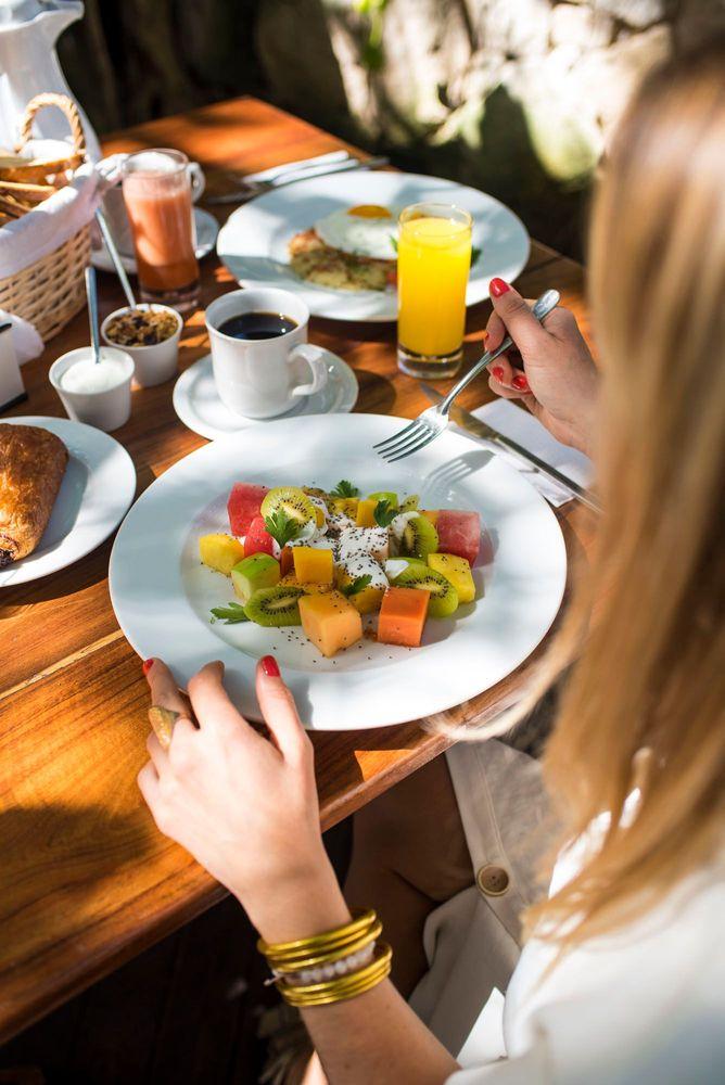 Restaurant for breakfast