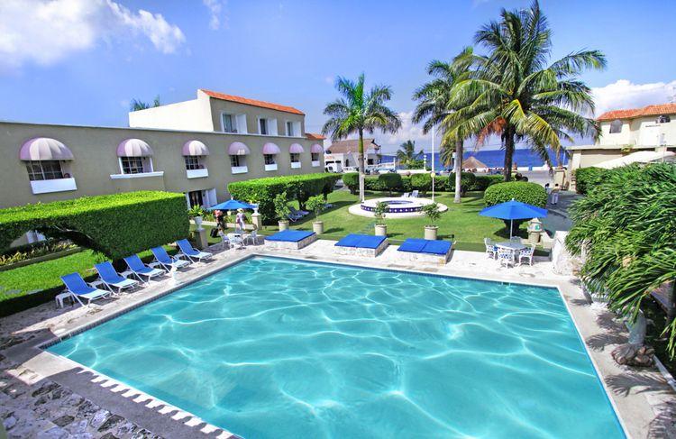 Villablanca Garden Beach Hotel Cozumel Photo